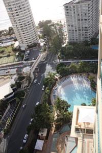 crown-towers-pool