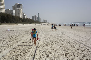 surfers-paradise-beach-walk