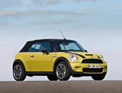 The film 'Goodbye, Pork pie' follows a yellow mini on a New Zealand road trip