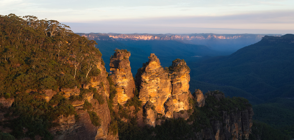 Three Sisters, Blue Mountains National Park, near Katoomba, NSW, Australia